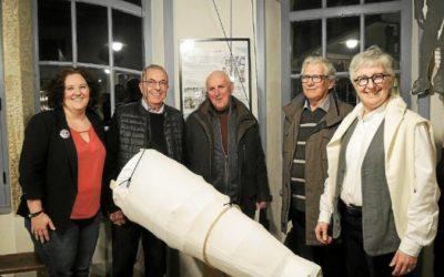 Nolwenn Acquitter,Jacques Beaufils le maire, Gérard Gallic et  Yves Letty de Mein ha Dour, et Anne Forrer ont présenté la nouvelle exposition de l'Abri du Marin